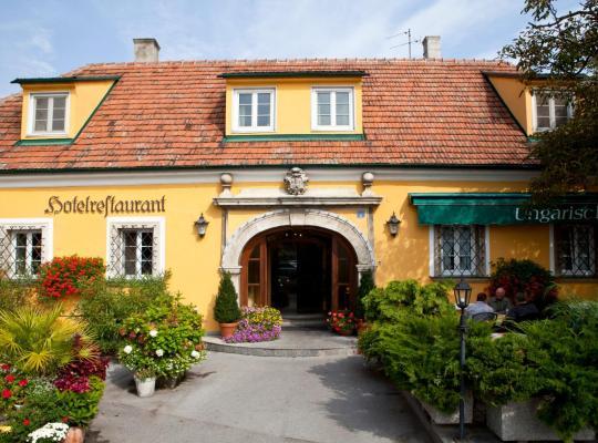 Hotel foto 's: Hotel Ungarische Krone