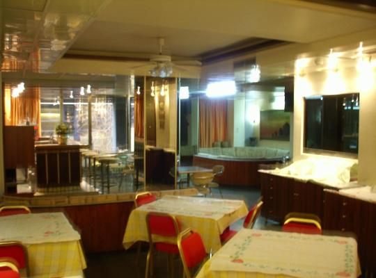 Фотографии гостиницы: Claridge Hotel