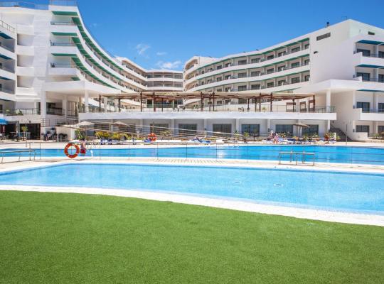 Фотографії готелю: Apartamentos Gema Aguamarina Golf