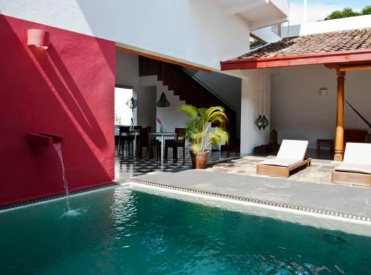 Képek: Los Patios Hotel Granada