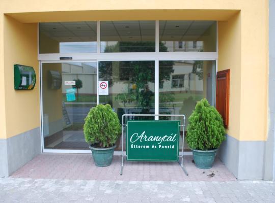 Fotos de Hotel: Aranytál Hotel