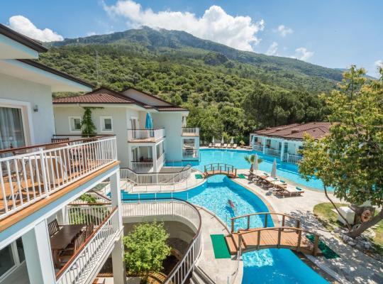 होटल तस्वीरें: Mozaik Hotel