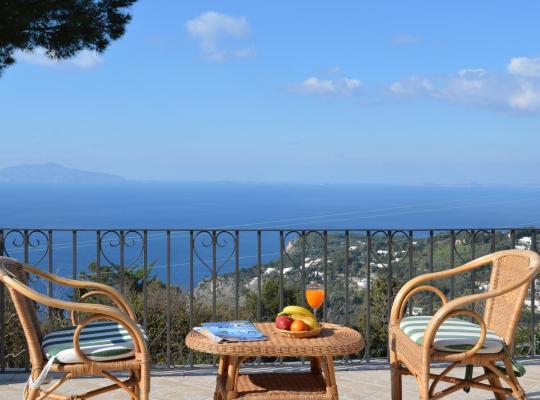 Hotel bilder: Alle Ginestre Capri B&B