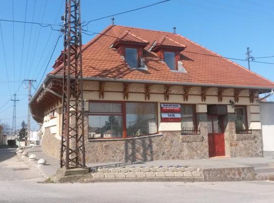 Хотел снимки: Sasi Panzió 1