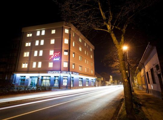 Otel fotoğrafları: Art Hotel