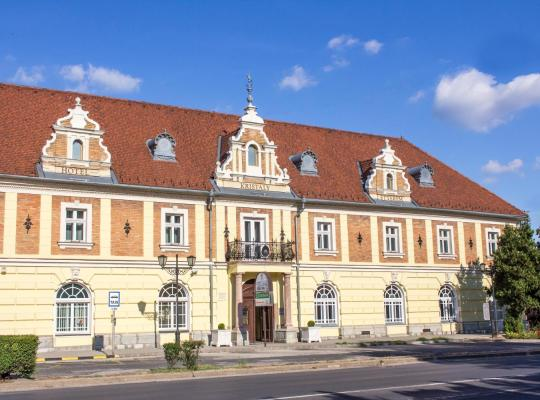 ホテルの写真: Hotel Kristály Imperial