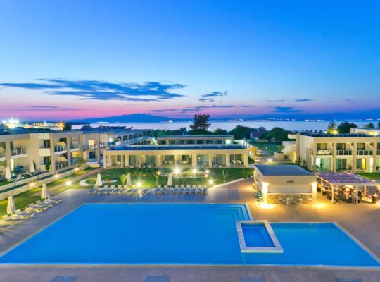 ホテルの写真: ALEA Hotel & Suites