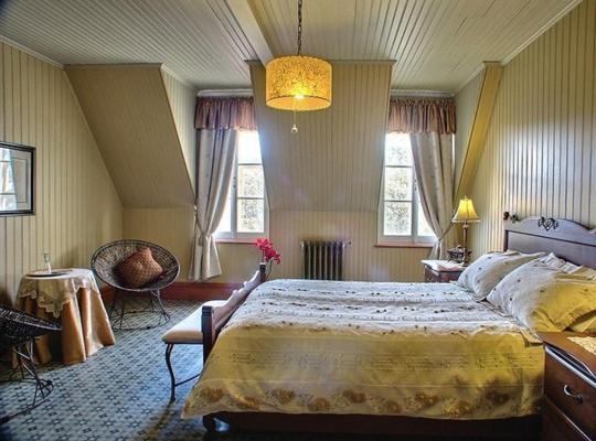 Фотографії готелю: Gite Maison Chapleau Bed and Breakfast