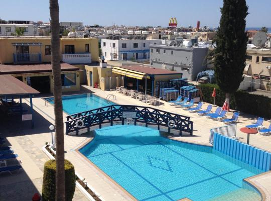 Хотел снимки: Kefalonitis Hotel Apartments