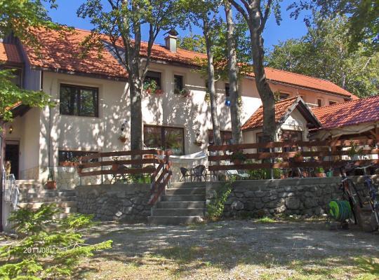 Photos de l'hôtel: Planinarski Centar Petehovac