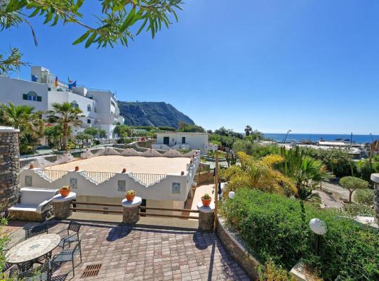 Фотографии гостиницы: Hotel Punta Imperatore