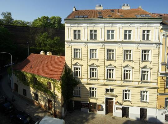 Viesnīcas bildes: Apartments Vysehrad With Free Parking