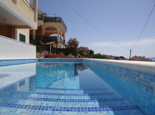 Φωτογραφίες του ξενοδοχείου: Apartmani Zora