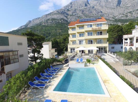 Φωτογραφίες του ξενοδοχείου: Dorijini Dvori