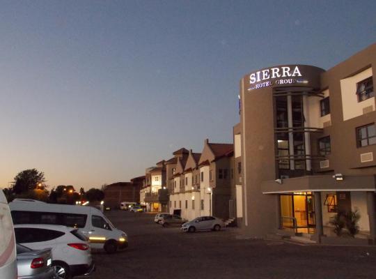 호텔 사진: Sierra Square Hotel