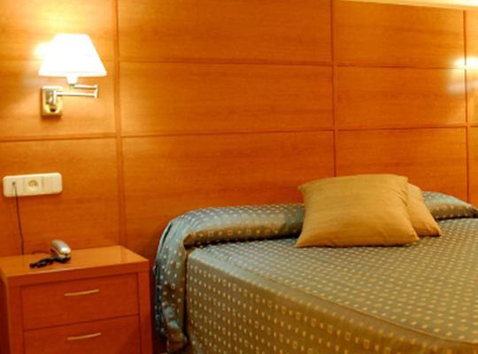 Хотел снимки: Hotel Entresierras