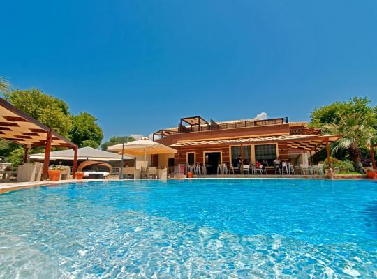 Hotel foto 's: Riviera Perdika Hotel