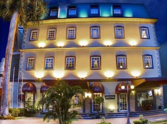Viesnīcas bildes: DeVille Hotel