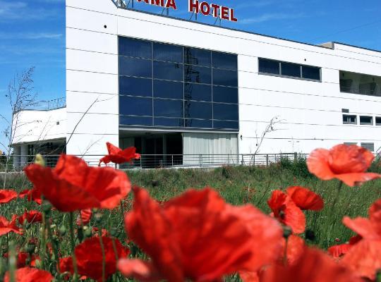 Φωτογραφίες του ξενοδοχείου: Dama Hotel