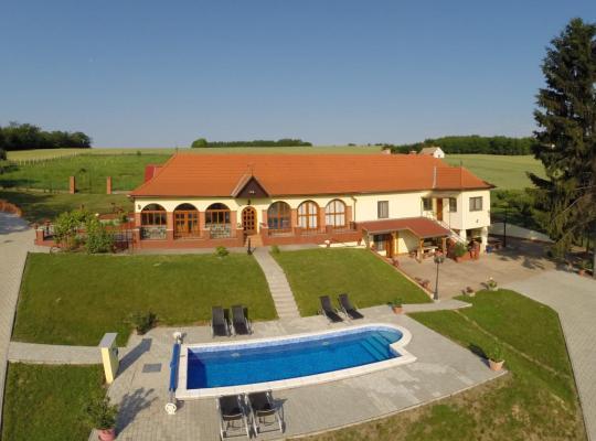 Otel fotoğrafları: Villa Teleki