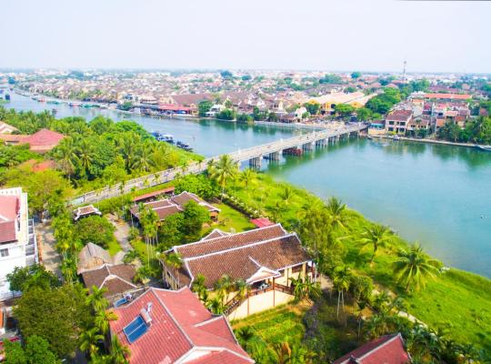 Fotos de Hotel: Pho Hoi Riverside Resort