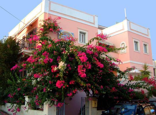 ホテルの写真: Villa Rodanthos