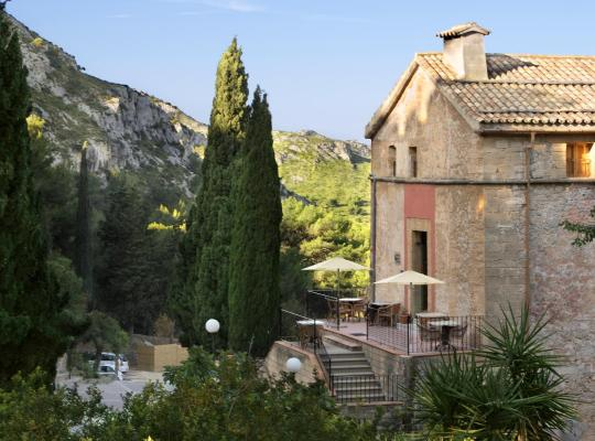 Хотел снимки: Petit Hotel Hostatgeria La Victoria