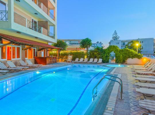 Képek: Pavlos Hotel