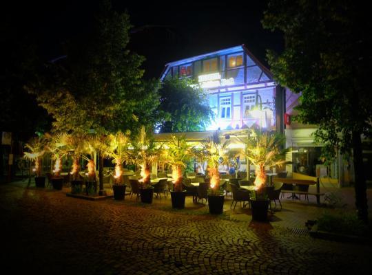 Otel fotoğrafları: Hotel Zum Weißen Roß
