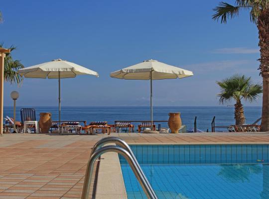 Хотел снимки: Seafront Beach hotel Apartments