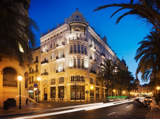 ホテルの写真: One Shot Palacio Reina Victoria 04