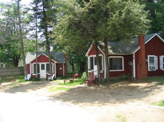Фотографии гостиницы: Old Red Inn & Cottages