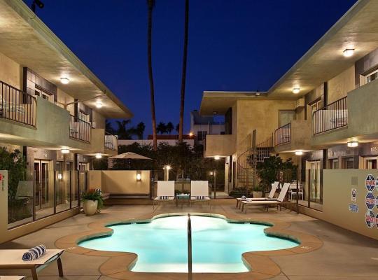 Fotos do Hotel: 7 Springs Inn & Suites
