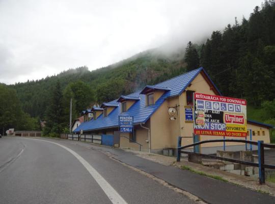 Otel fotoğrafları: Penzión Pod Donovalmi