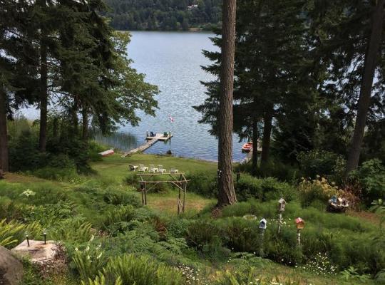 Хотел снимки: Maple Ridge Cottages