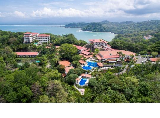 Hotel photos: Parador Resort and Spa