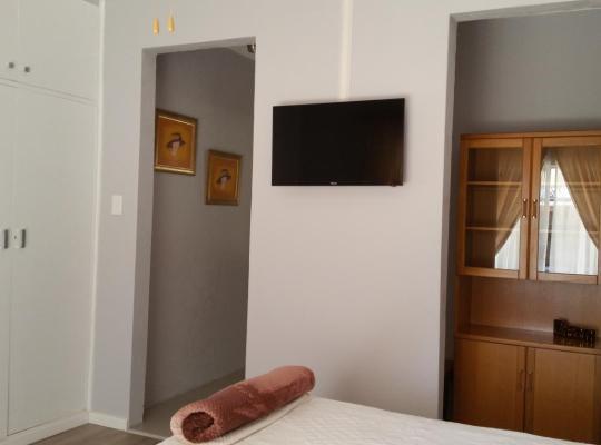 酒店照片: Little Acorn Guest House