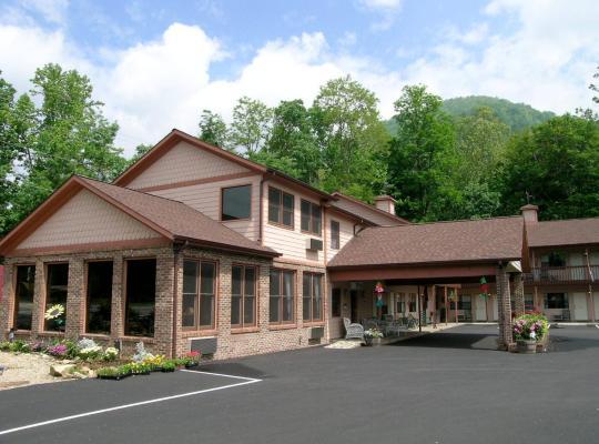 Fotos de Hotel: Jonathan Creek Inn and Villas