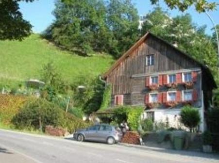 ホテルの写真: B&B Haus im Löchli