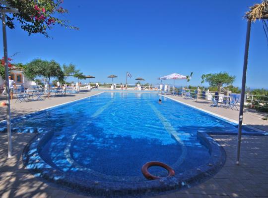 ホテルの写真: Santorini Hostel