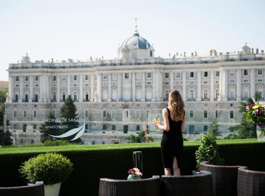 Фотографии гостиницы: Apartosuites Jardines de Sabatini