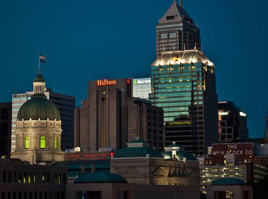 Képek: Hilton Indianapolis Hotel & Suites
