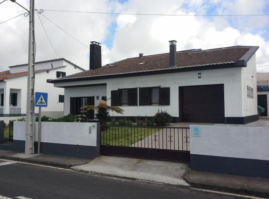Képek: A House In Azores