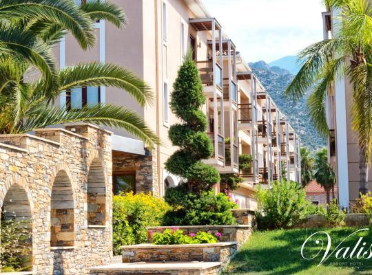 Képek: Valis Resort Hotel