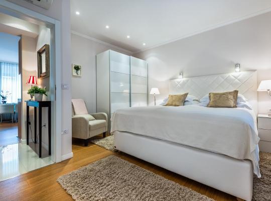 Képek: Madison Luxury Apartments