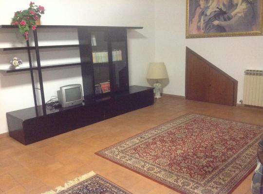 Otel fotoğrafları: Appartamento La Rosa