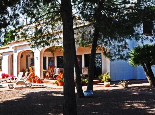 Фотографии гостиницы: Casa Del Artista Bed & Breakfast