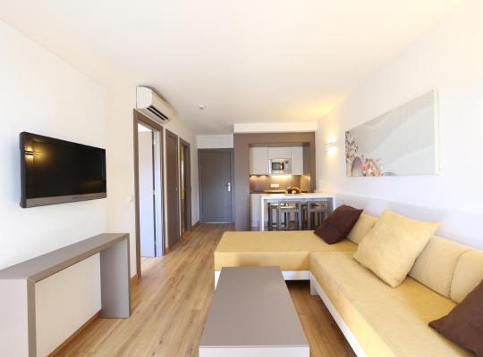Fotografii: Apartamentos Jade