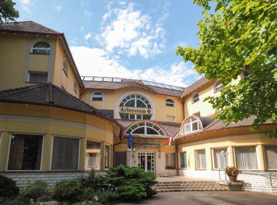 Hotel Valokuvat: Arboretum Hotel Harkany