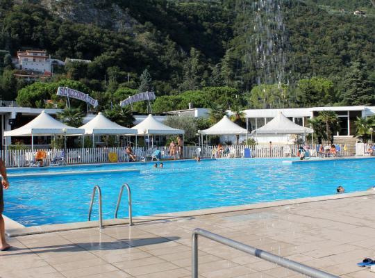 Photos de l'hôtel: Beach Hotel Eurovil